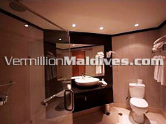 Club Rannalhi Maldives Resort. Accomodation / Bathroom