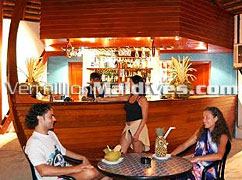 Special drinks from the Bar. Maldives Adaaran Club Rannalhi