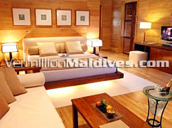 Accommodation Bedroom at Meedhupparu Water Villas : Perfect for Honeymoon
