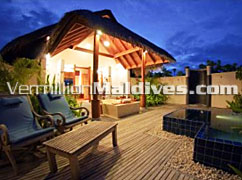 Luxury accommodations at Anantara Dhigu Maldives. Deluxe Beachfront Villa Bathroom