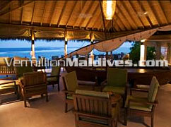 Dhoni Bar – Hotel Anantara Veli Maldives. A Honeymoon Resort & Spa
