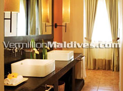 Deluxe Beachfront Pool Villa Bathroom at Angsana Velavaru