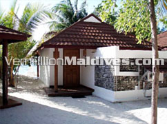 Beach Bungalow – Maldives Athuruga Resort