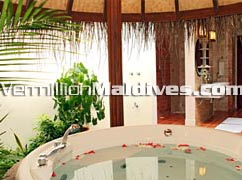 Maldives Resort Hotel Bandos Islands. Jacuzzi Beach Viillas