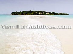 Beautiful Beach at  Banyan Tree Madivaru Maldives