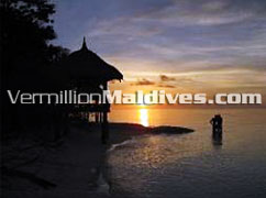 Beautiful and unforgettable Sunset - Banyan Tree Vabbinfaru – Maldives Island Retreat