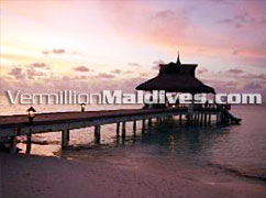 Sunset jetty - Banyan Tree Maldives – Vabbinfaru Resort