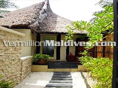 Walkway to Beach Front Room - Banyan Tree – 5star Maldives