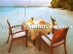 Special Dinners & Unique place. Island Dining at Baros Maldives. Book now