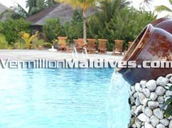 Dhonveli Pool – Good holiday vacation place for your family