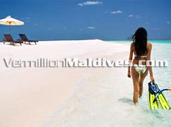 Beautiful Beach of Cinnamon Alidhoo. Maldives Honeymoon Retreat