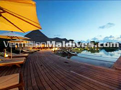 Relax in the pool - Cinnamon Island Alidhoo – Maldives Special offers