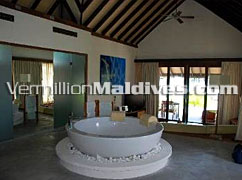Bath Tub in Coco palm Bodu Hithi Bathroom –Sexiest styled Maldives resort
