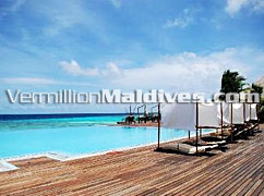 Infinity Pool - Coco Palm Bodu Hithi – Maldives Luxury Honeymoon Hotel