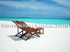 Book your seat under the Sun and get a Coco Tan at Dhunikolhu