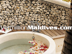 Lular Bath in Cocoa Island – Great Maldives Honeymoon Hotel in Maldives