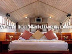 Dhoni Slumber Maldives Bed Room: One of the best getaways