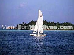 Sail, Cruise and tour around Embudu Village Maldives