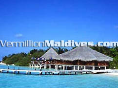 Maldives hotel Eriyadhu Island Resort. Restaurant for holiday makers