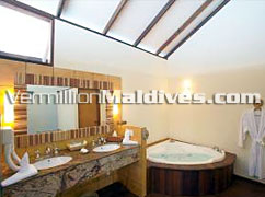 Bathroom: FIlitheyo Island Hotel Maldives