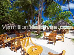 Drink under the beautiful blue sky in Main Bar at Filitheyo Hotel Maldives