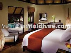 Beach Pavillion with Pool: Four Seasons Maldives Kuda Huraa Holidays