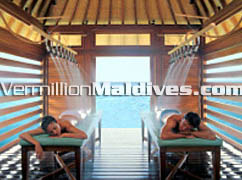Couple In Four Season Spa Resort Maldives: A luxury Spa Resort Hotel