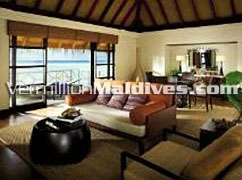 Navaranna Water Bunaglow: Five Star Luxury Maldives Hotel Kuda Huraa