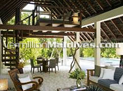 Living room in Beach Villa with Pool: Spacious & cozy Maldives accommodations