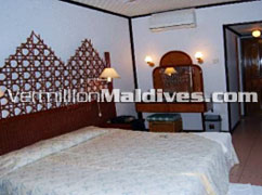 Bedroom of Giraavaru Resort Maldives - Maldives Beach Resorts for Honeymooners