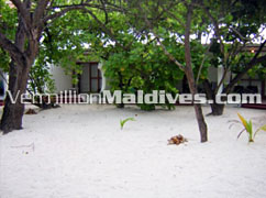 Deluxe Rooms at Maldives Holiday hotel Giravaru - Value for Money resort