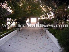 Pathway - Giraavaru Island Resort - Cheap Maldives Holidays packages