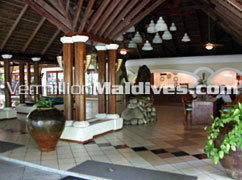 Reception area of the Hotel Maldives Giraavaru Island Resort