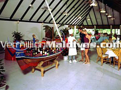 Maldives resort hotel Holiday Island. Restaurant