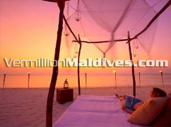 Sunset on Beach – lovely and Sexy Romantic Honeymooners choice