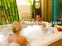 Handufushi Jacuzzi : Private baths for Maldives Honeymoon Vacation