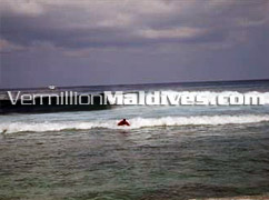 Surfing break of Male', around 10 minutes walk from hotel Kam