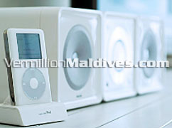 All Villas and rooms in HolidayInn Resort Kandooma Maldives comes with MP3 Docking