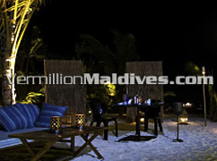 Enjoy a private peninsula dinner at this luxury upclass deluxe HolidayInn Resort Kandooma Maldives