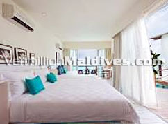 Grand Water Villa Bed Room of Luxury Hotel HolidayInn Resort Kandooma Maldives