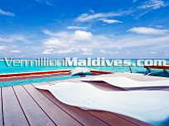 HolidayInn Resort Kandooma Maldives, Water Villa's with Private sundeck