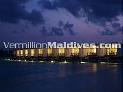 HolidayInn Resort Kandooma Maldives hotels water Villas at night