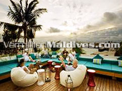 Sit & Sip while the sun goes down at HolidayInn Resort Kandooma Maldives
