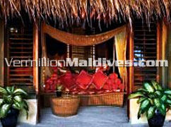 Handhuvaru Bar of the Maldives Resort at Kanuhuraa Island
