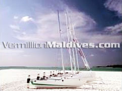 Tour & Sail around the islands in the catamarans: Maldives Vacations