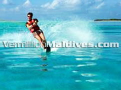 Water Skiing at Kanuhuraa – Fun filled Maldives Holidays