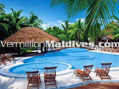 Swimming Pool of hotel Kihaad Maldives Island resort