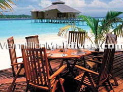 Dine on the beautiful beach with sea, sun, sand & partner