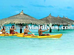 Canoeing: Tour in the Lagoons of Maldives Kihaad
