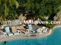 Hotel Kuramathi Cottage and Spa Maldives got big swimming pool
